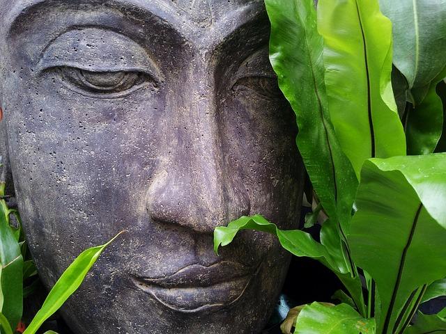 Buddha aus Stein